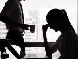 El ciberacoso sexual en el trabajo. La problemática de las nuevas tecnologías de la información y comunicación.